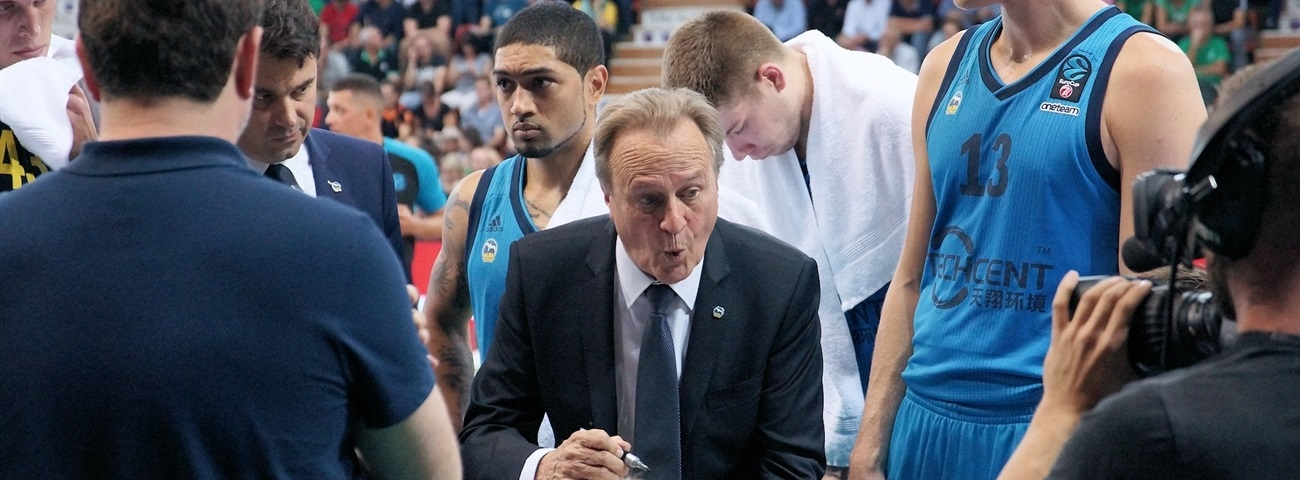 ALBA, Coach Aito agree to new deal