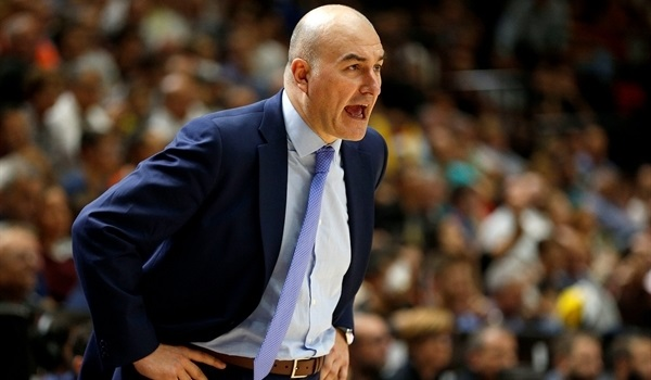 Coach Ponsarnau signs new deal with Valencia