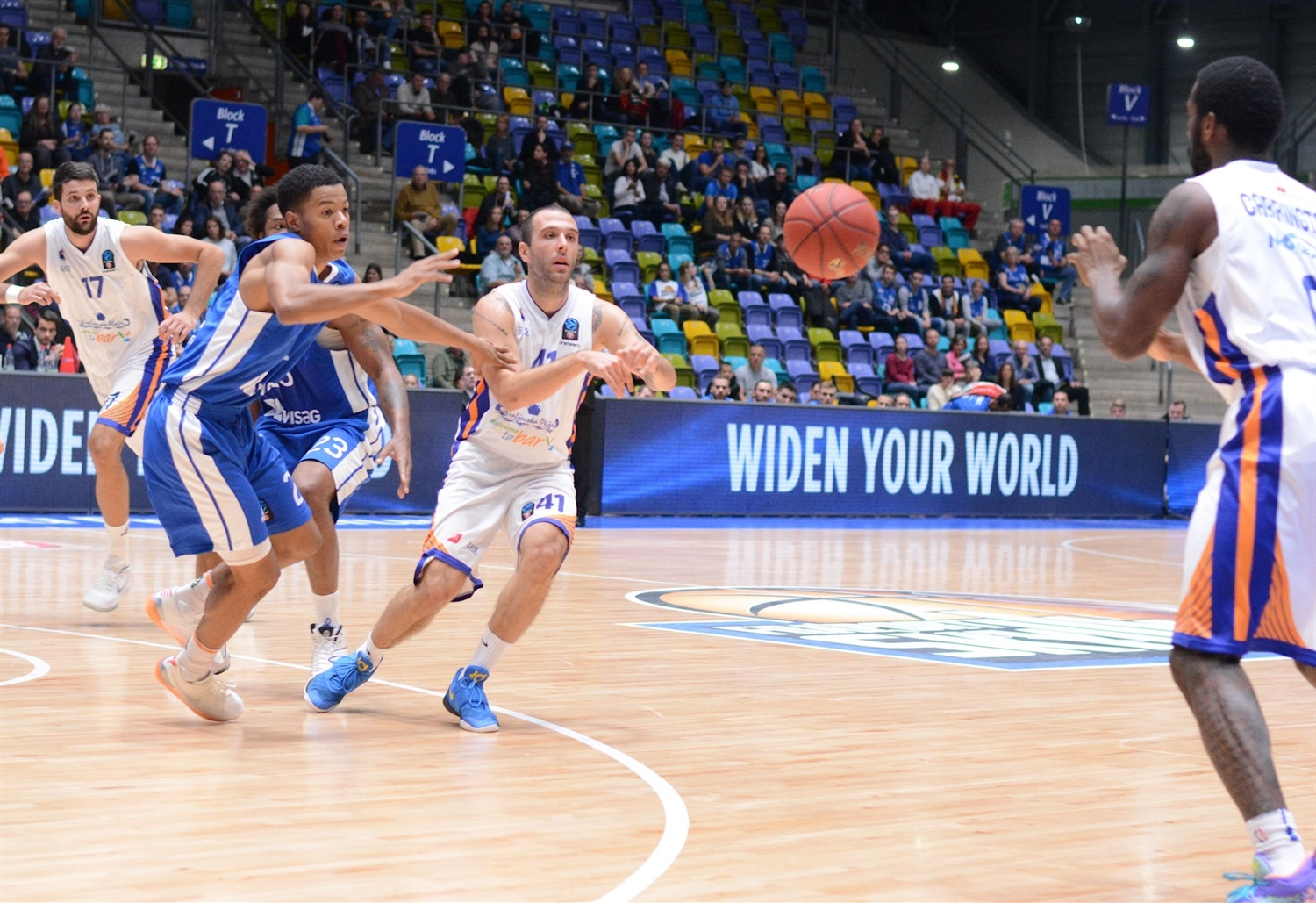 Nemanja Vranjes - Mornar Bar (photo Fraport Skyliners) - EC18