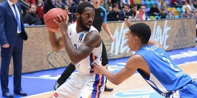 Monaco adds Carrington to backcourt