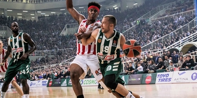 Bench power, hustle lifts Panathinaikos