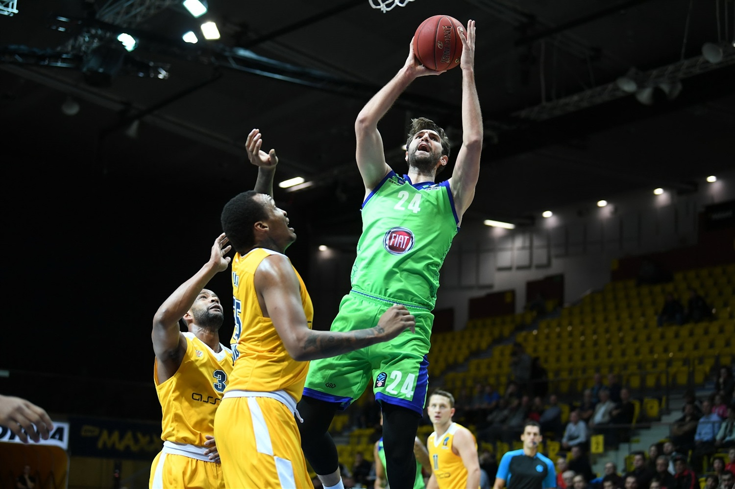 Jeff Withey - Tofas Bursa (photo Ozan Demir - Tofas) - EC18