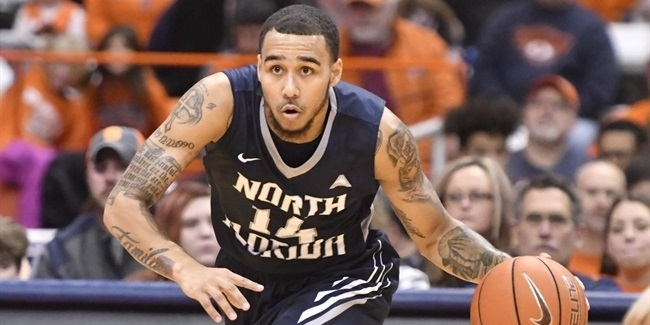 Fiat signs playmaker Moore