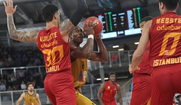 RS Round 8: Brescia crushes Galatasaray to boost Top 16 hopes