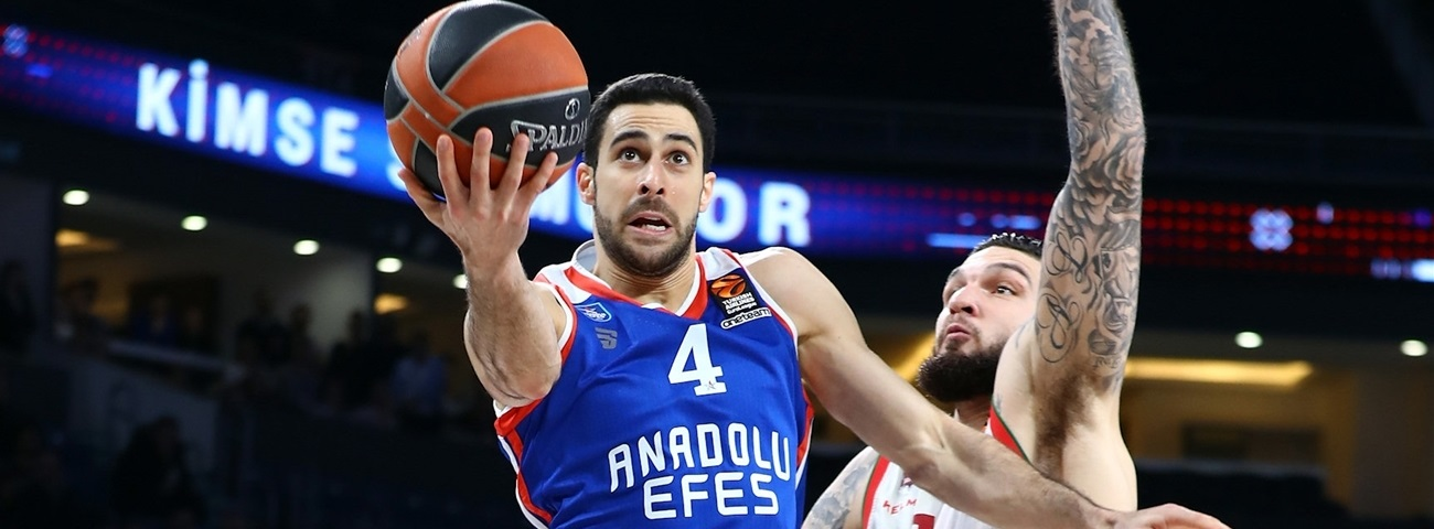 Efes captain Balbay makes sure