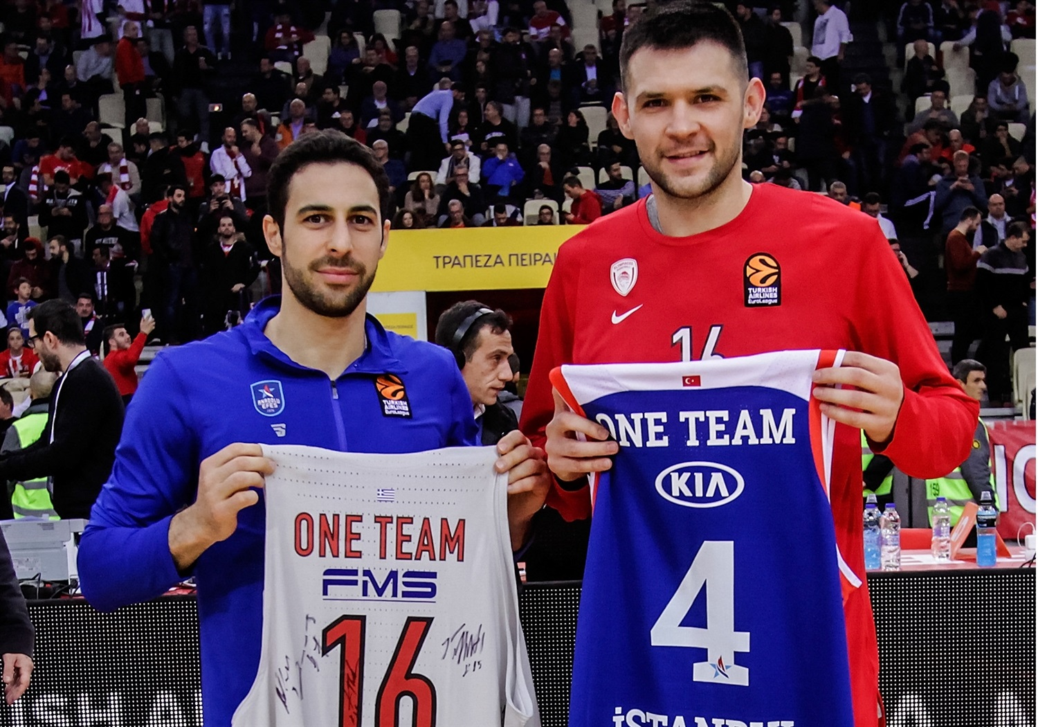 Dogus Balbay and Kostas Papanikolaou, One Team Games - Olympiacos Piraeus vs. Anadolu Efes Istanbul - EB18