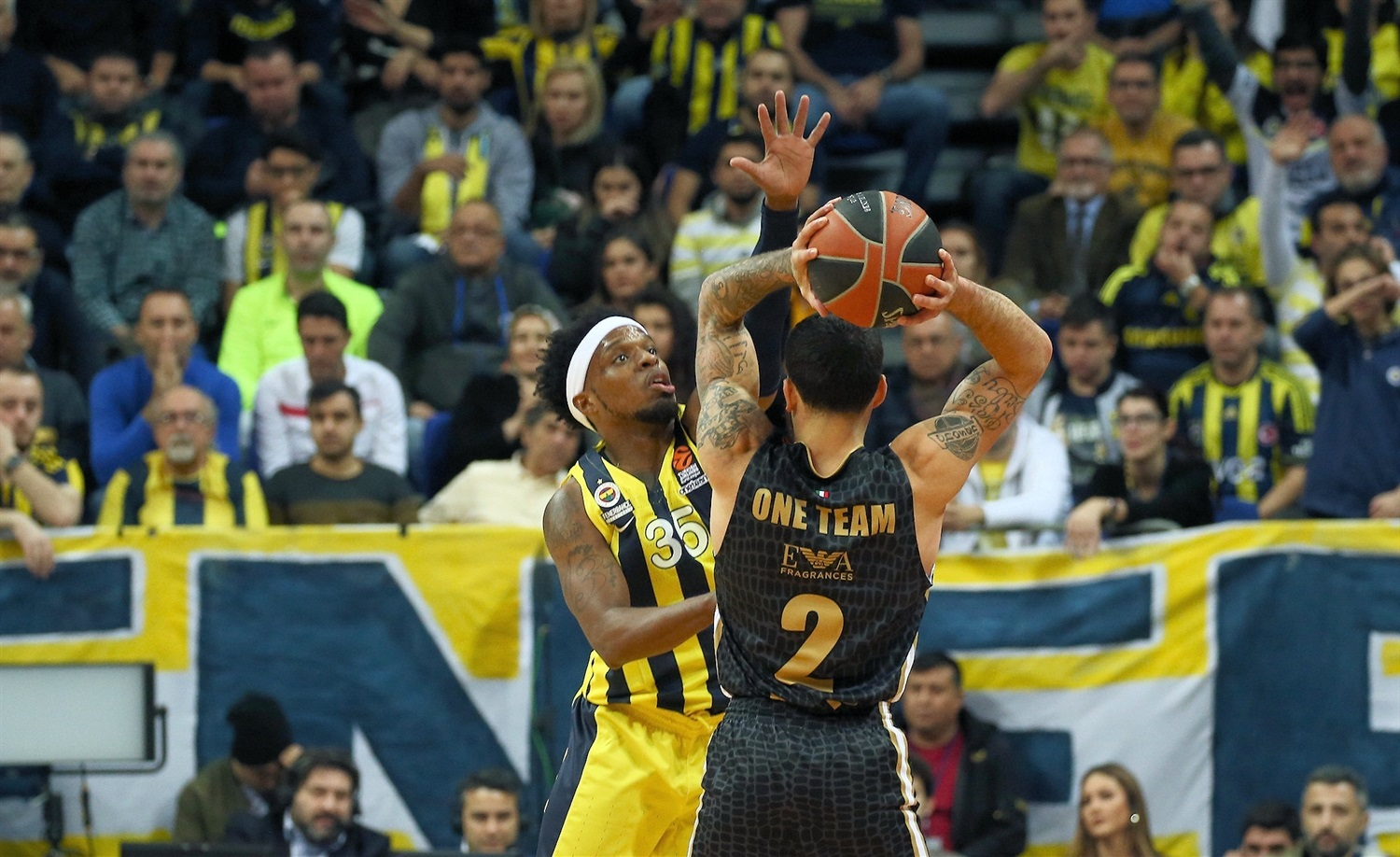 Mike James, One Team Games - Fenerbahce Istanbul vs. AX Milan - EB18