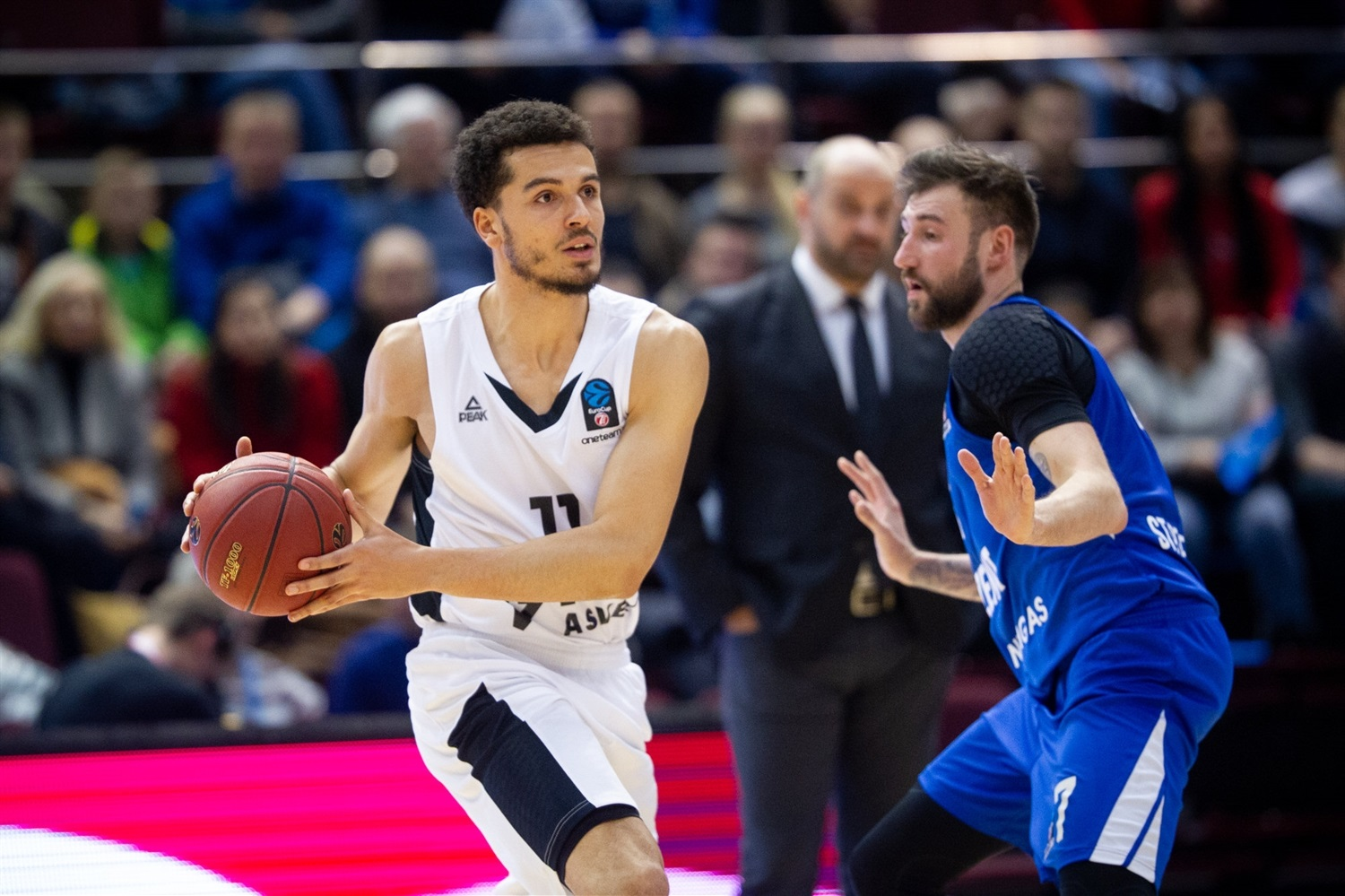 Charles Galliou - LDLC ASVEL Villeurbanne (photo Zenit) - EC18