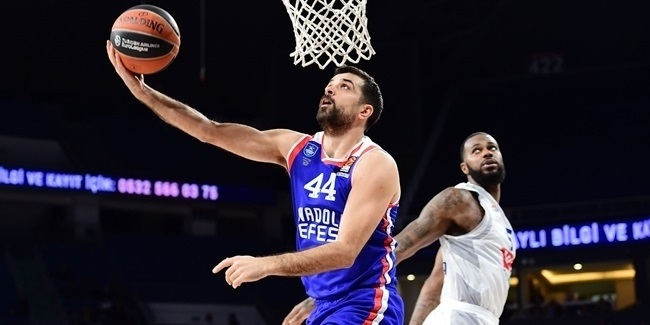 """Efes breaks club records with """"perfect game"""""""