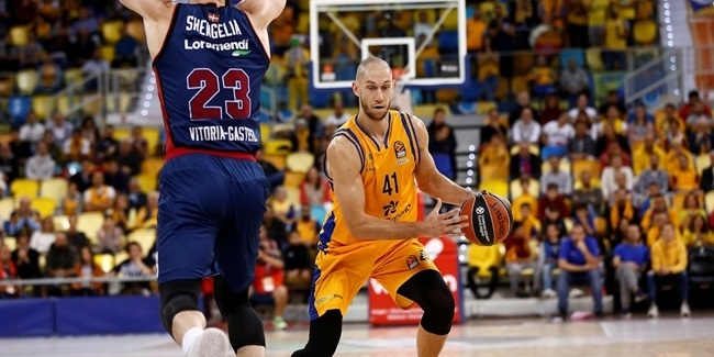 Monaco bolsters frontcourt with Tillie