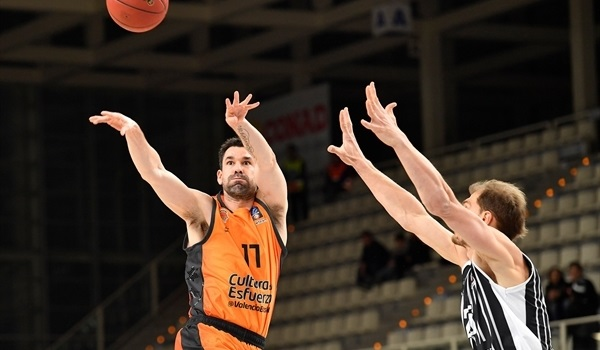 RS Round 10: Three-pointers carry Valencia past Trento