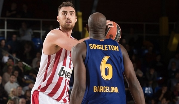 RS Round 12 report: Olympiacos shuts down host Barcelona