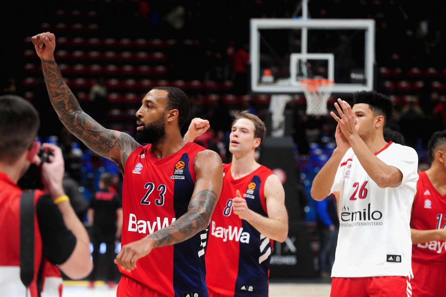 Derrick Williams celebrates - FC Bayern Munich - EB18