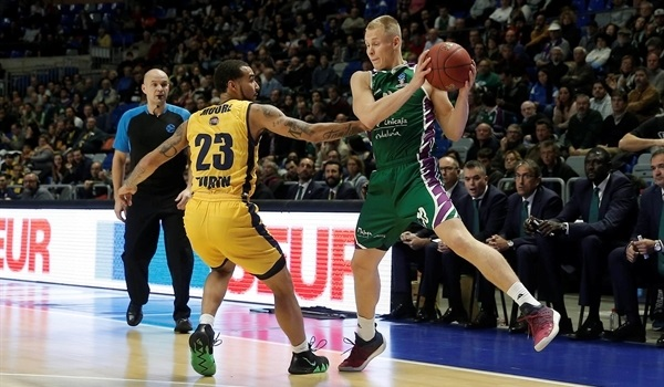 RS Round 10: Unicaja sets three-point record to overcome Turin
