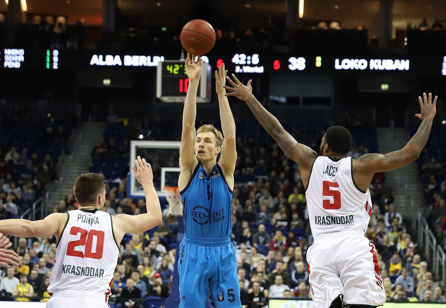 Niels Giffey - ALBA Berlin (photo Andreas Knopf - ALBA) - EC18