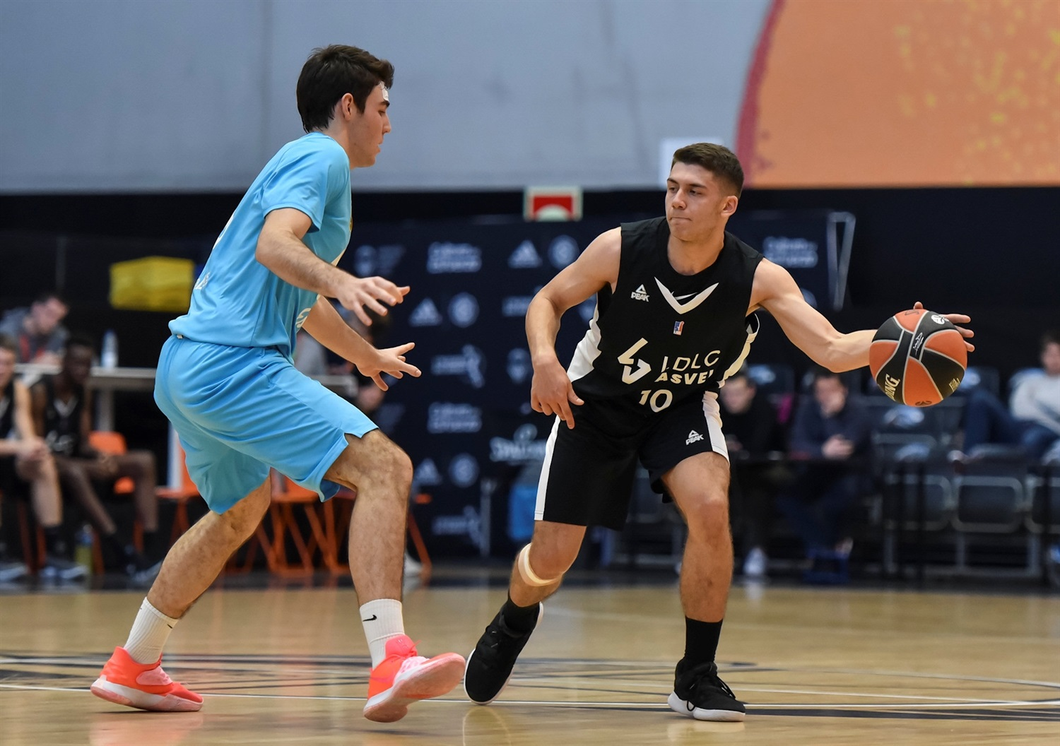 Amir Bouzidi - U18 LDLC ASVEL Villeurbanne (photo Miguel Angel Polo - Valencia) - JT18