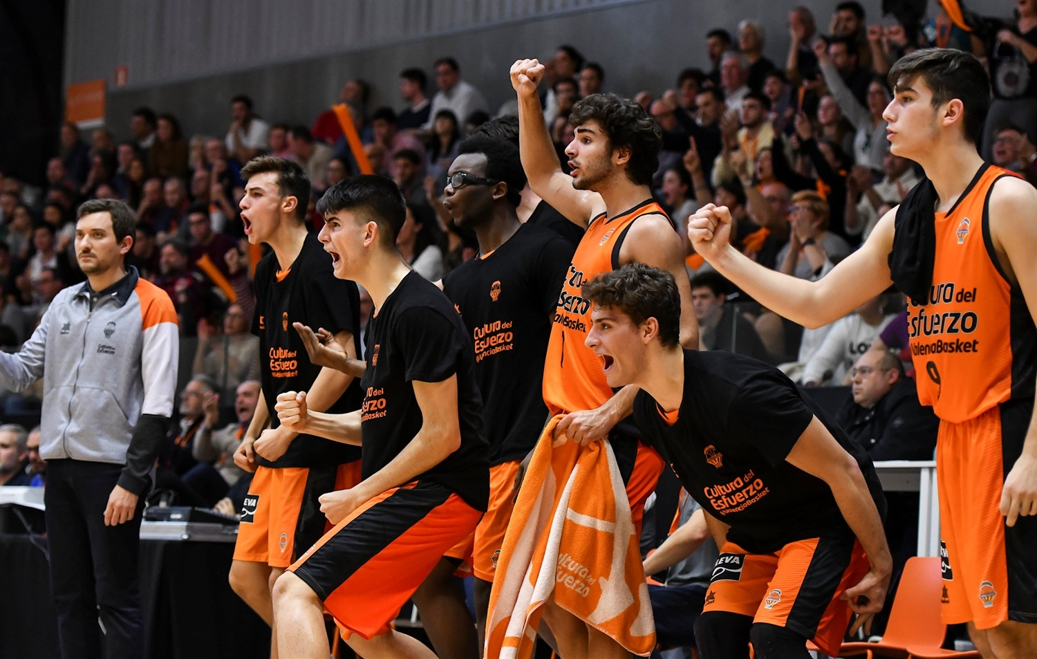 U18 Valencia Basket celebrates (photo Miguel Angel Polo - Valencia) - JT18