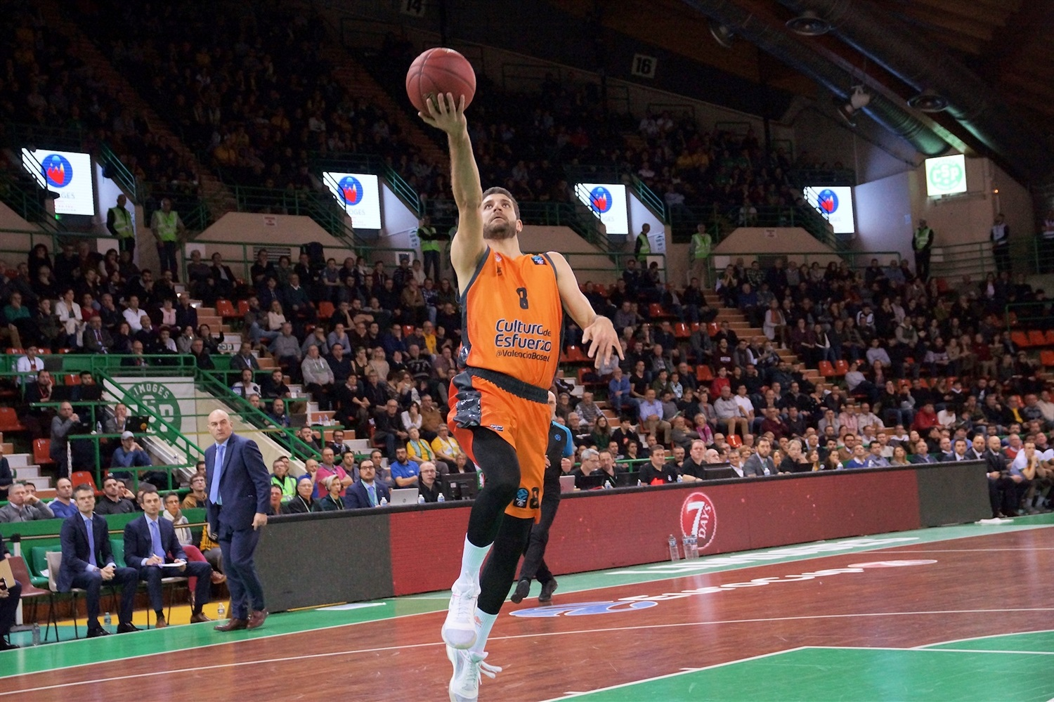 Antoine Diot - Valencia Basket (photo Limoges) - EC18