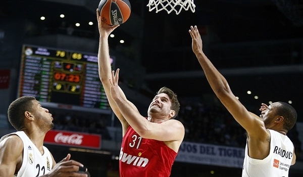 Promitheas puts Bogris in the paint