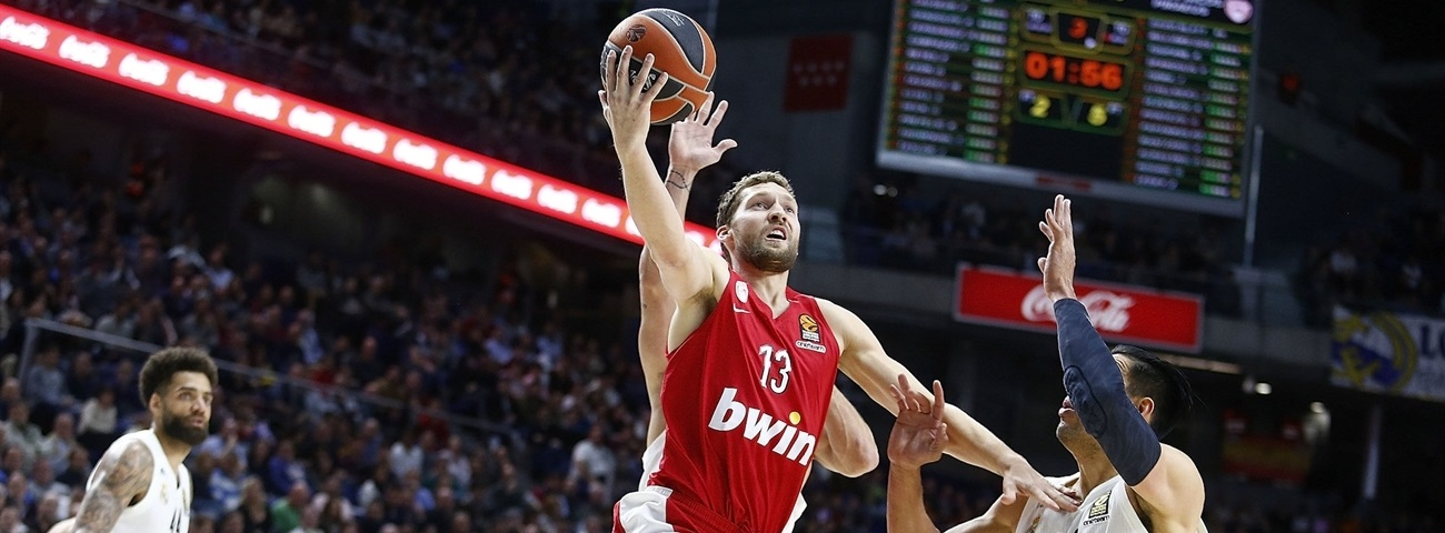 Olympiacos guard Strelnieks out with foot injury