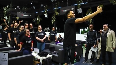 ASVEL stars give special gift to One Team participants
