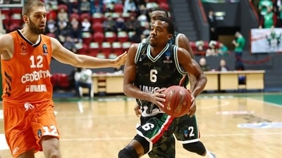 Smith makes history in UNICS's home win