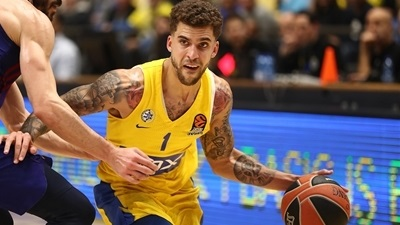 Red-hot Maccabi routs Barcelona