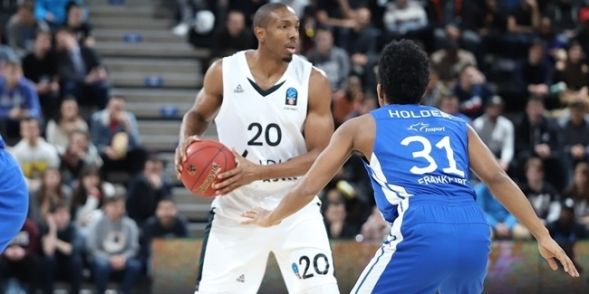 Bayern adds backcourt depth with Nelson