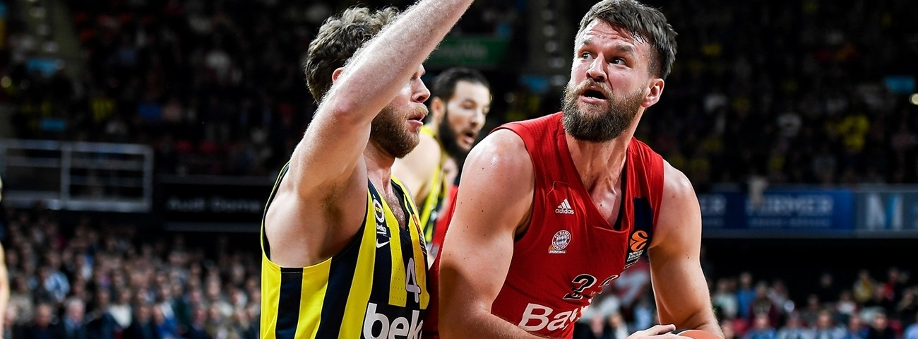 Fenerbahce brings in big man Barthel