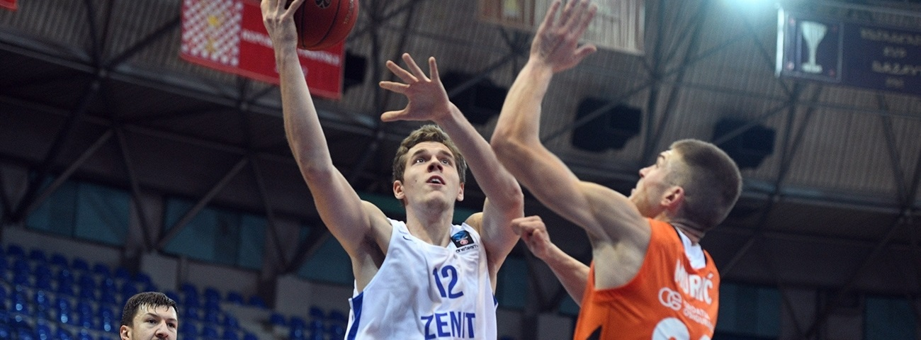 Zenit keeps big man Balashov
