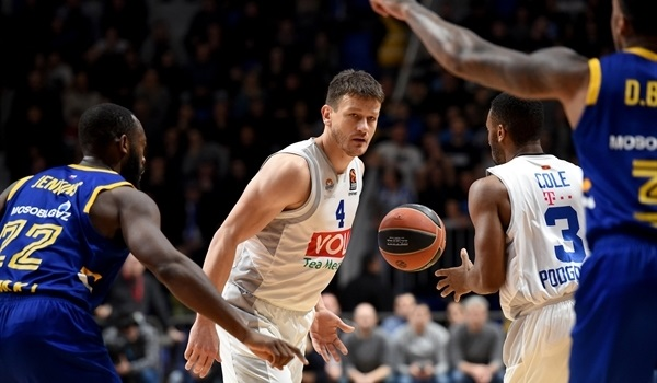Buducnost, swingman Sehovic stay together