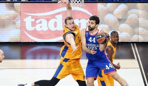 RS Round 22 report: Simon leads Efes past Gran Canaria