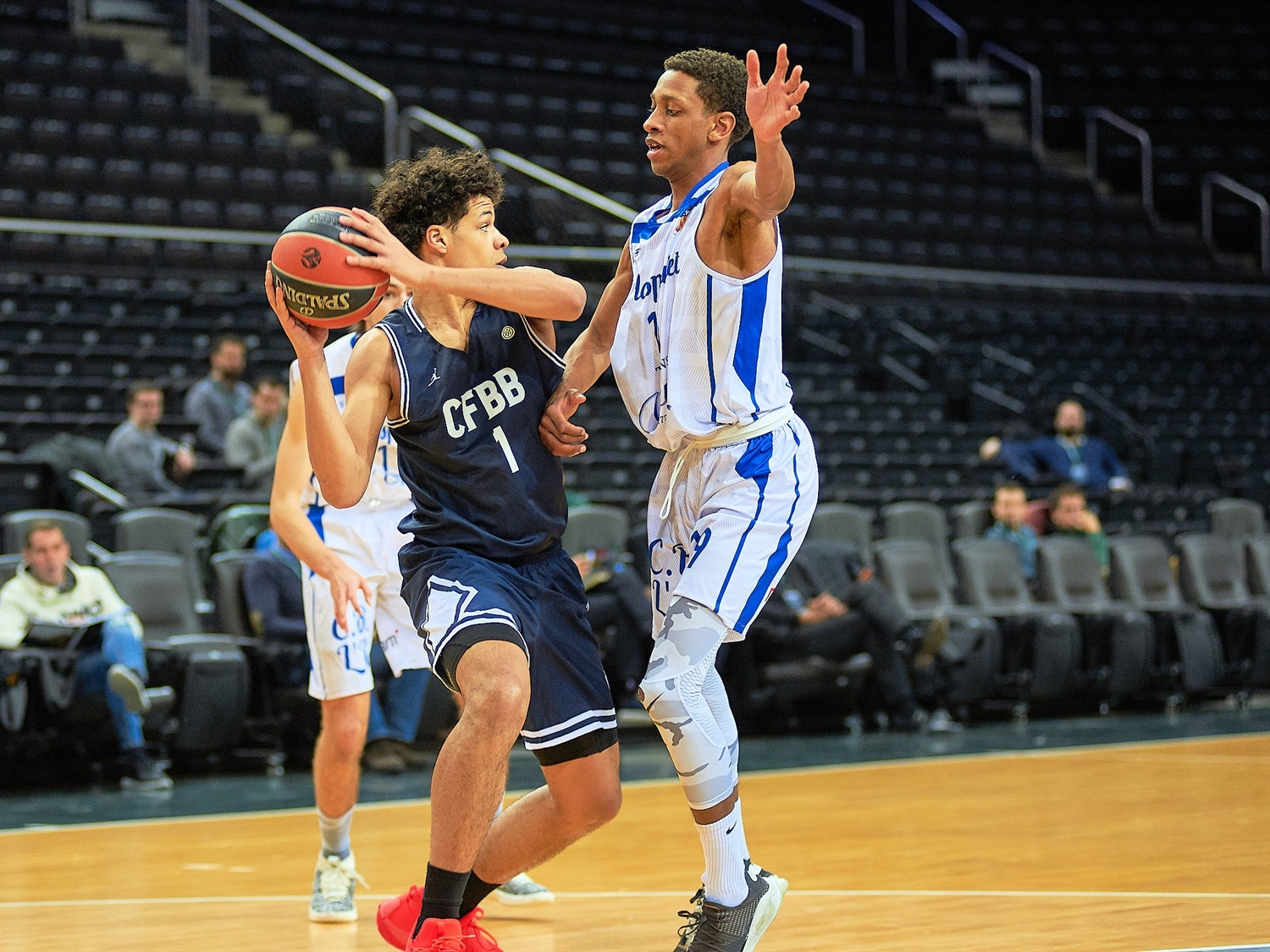 Timothe Crusol - U18 CFBB Paris (photo Zalgiris) - JT18