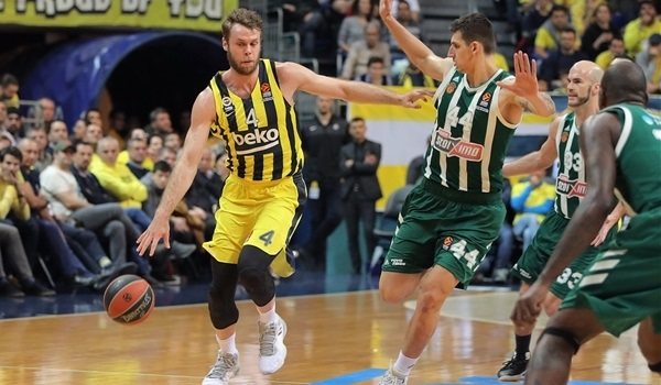 Melli did it all for Fener