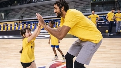 McAdoo emphasizes ambition to Turin's One Team kids