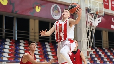 Zvezda sweat out opening win over Olympiacos
