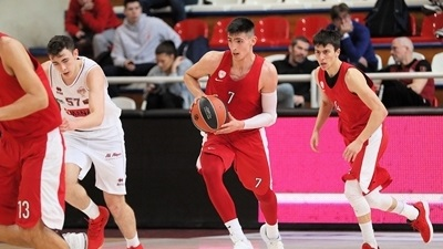 Olympiacos beat Venice for second win