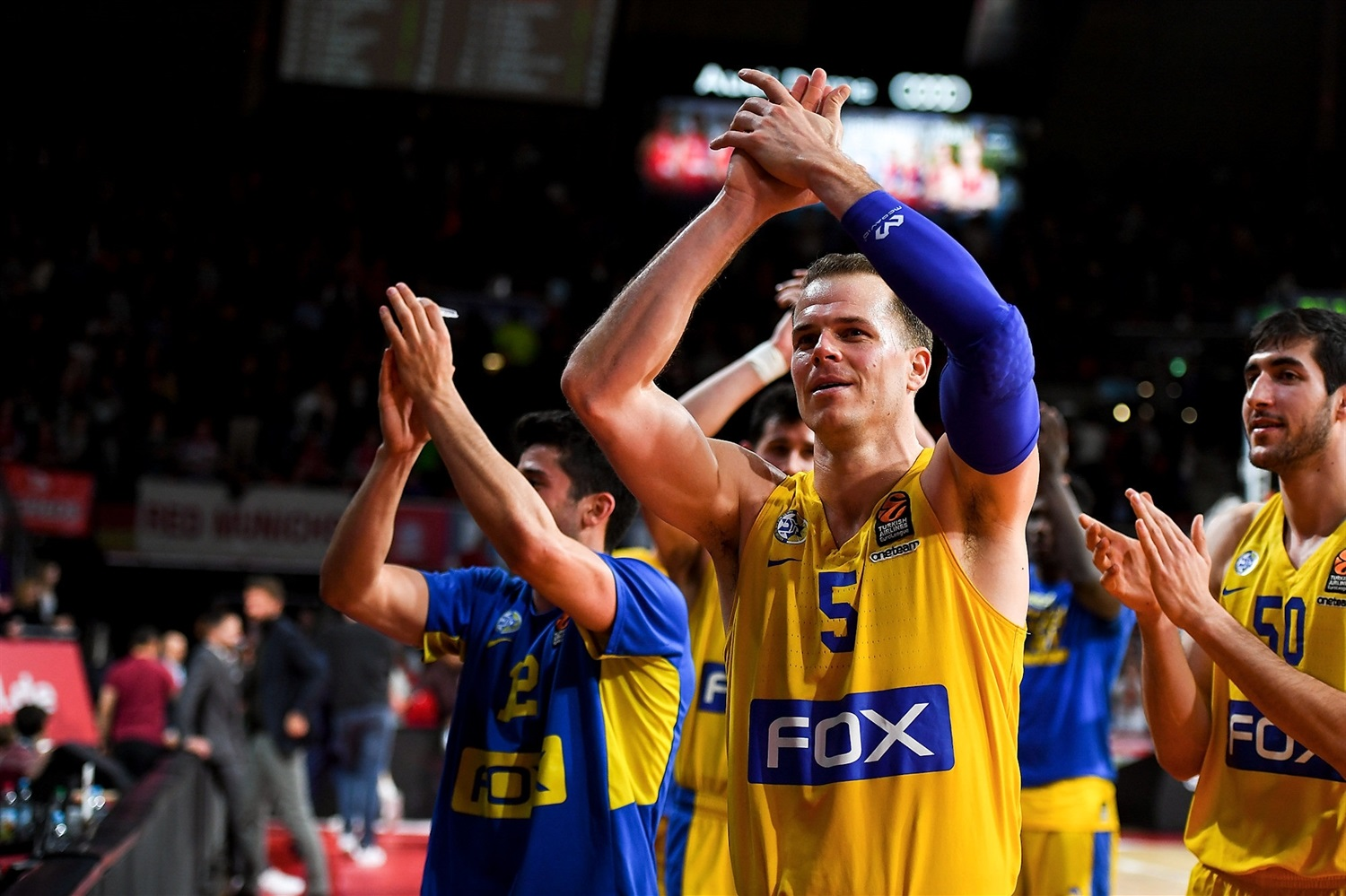 Michael Roll celebrates - Maccabi FOX Tel Aviv - EB18