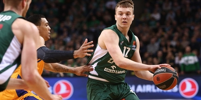 Lietkabelis brings Venskus on-loan