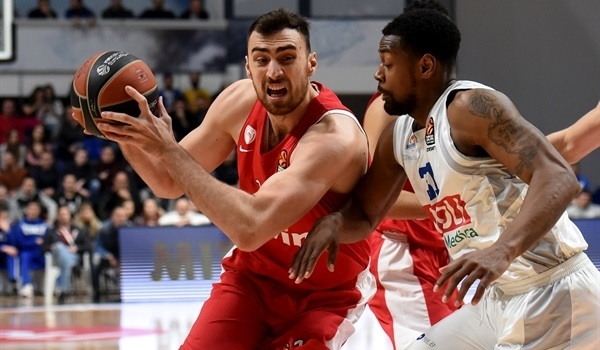 RS Round 25 report: Olympiacos stops skid with big road win