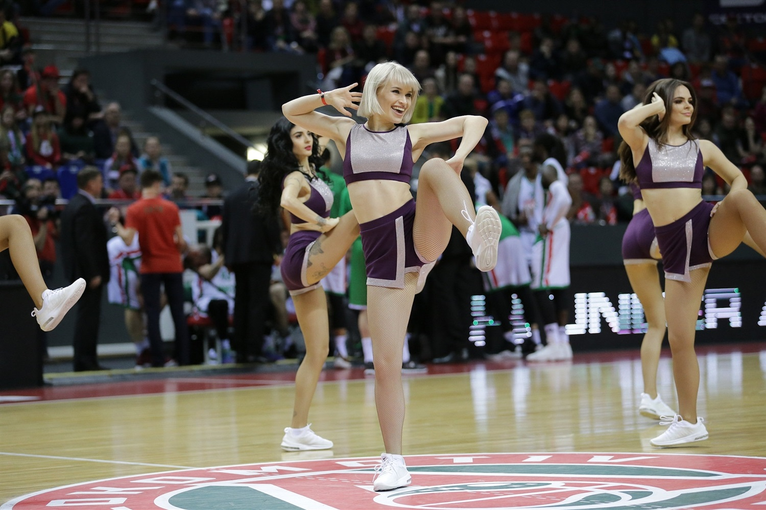 Cheerleders - Lokomotiv Kuban Krasnodar (photo Lokomotiv) - EC18