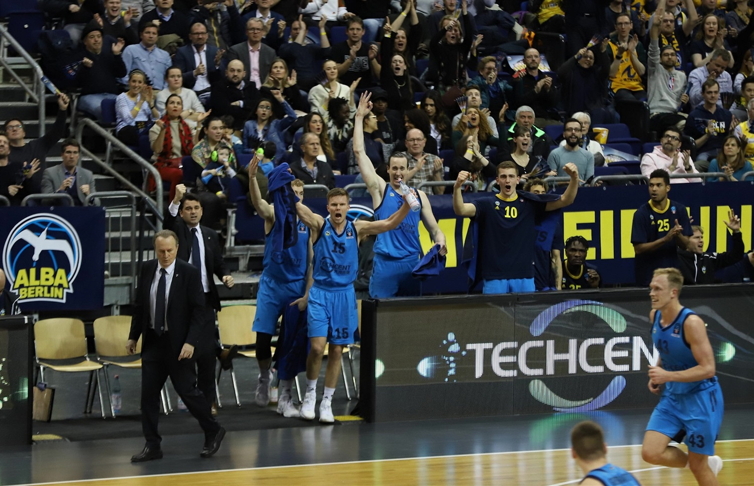 ALBA Berlin celebrates (photo Andreas Knopf - ALBA) - EC18