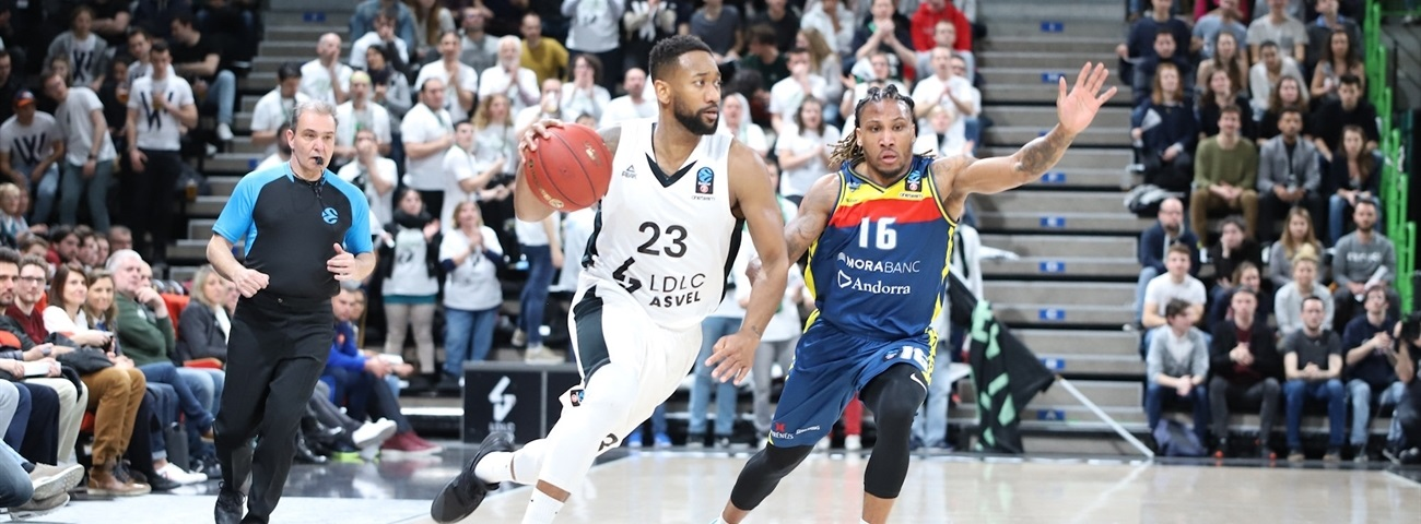 ASVEL re-signs Lighty for three years