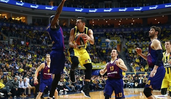 RS Round 26 report: Fenerbahce rallies late, edges Barcelona