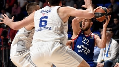 Efes breezes past Buducnost to seal top-four finish