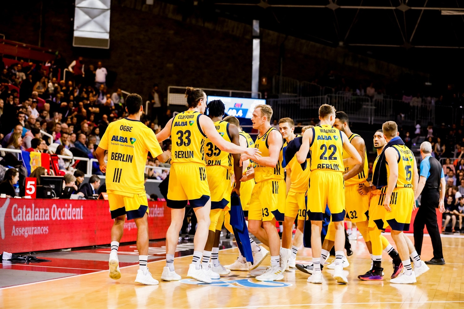 ALBA Berlin celebrates (photo Marti Imatge - Andorra) - EC18