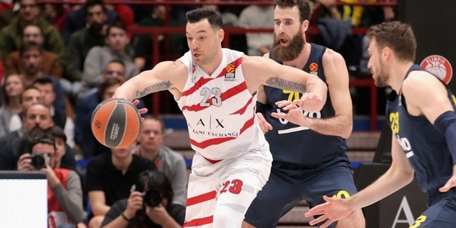 Brescia reunites with veteran big man Burns