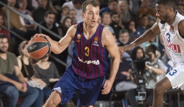 Zenit adds playmaker Pangos