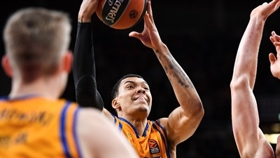 Greens get frontcourt help with Wiley