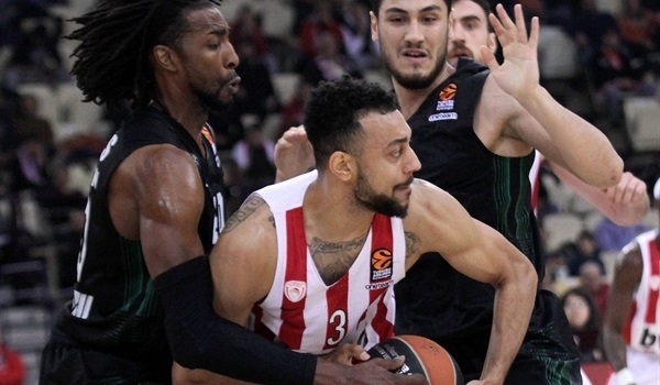 RS Round 30 report: Olympiacos wins bittersweet season finale